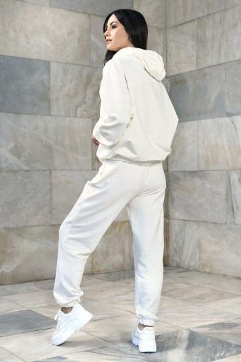 Dresowe spodnie damskie o luźnym kroju