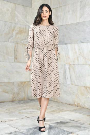 Sukienka midi we wzory ze ściąganymi rękawami