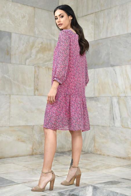 Szyfonowa sukienka z dekoltem karo
