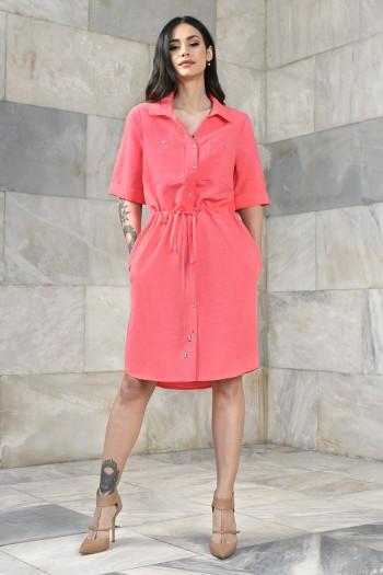 Koszulowa sukienka z regulacją w pasie typu szmizjerka
