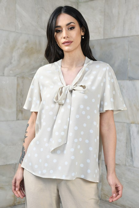 Bluzka z dekoracyjnym wiązaniem na dekolcie
